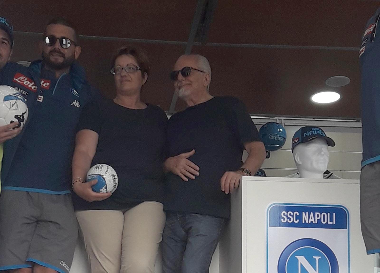 VIDEO – Il nuovo De Laurentiis: per gli autografi non c'è l'obbligo di acquisto della maglia del Napoli