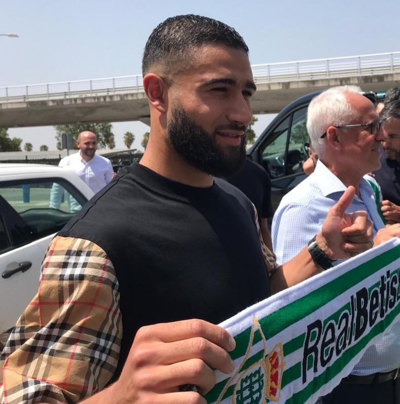 Fekir atterra a Siviglia, il Betis gli darà 7 milioni netti l'anno