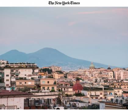 """Il NYT a Napoli 36 ore    """"Città di bellezza gloriosa ma sbrindellata    oggi senza monnezza"""
