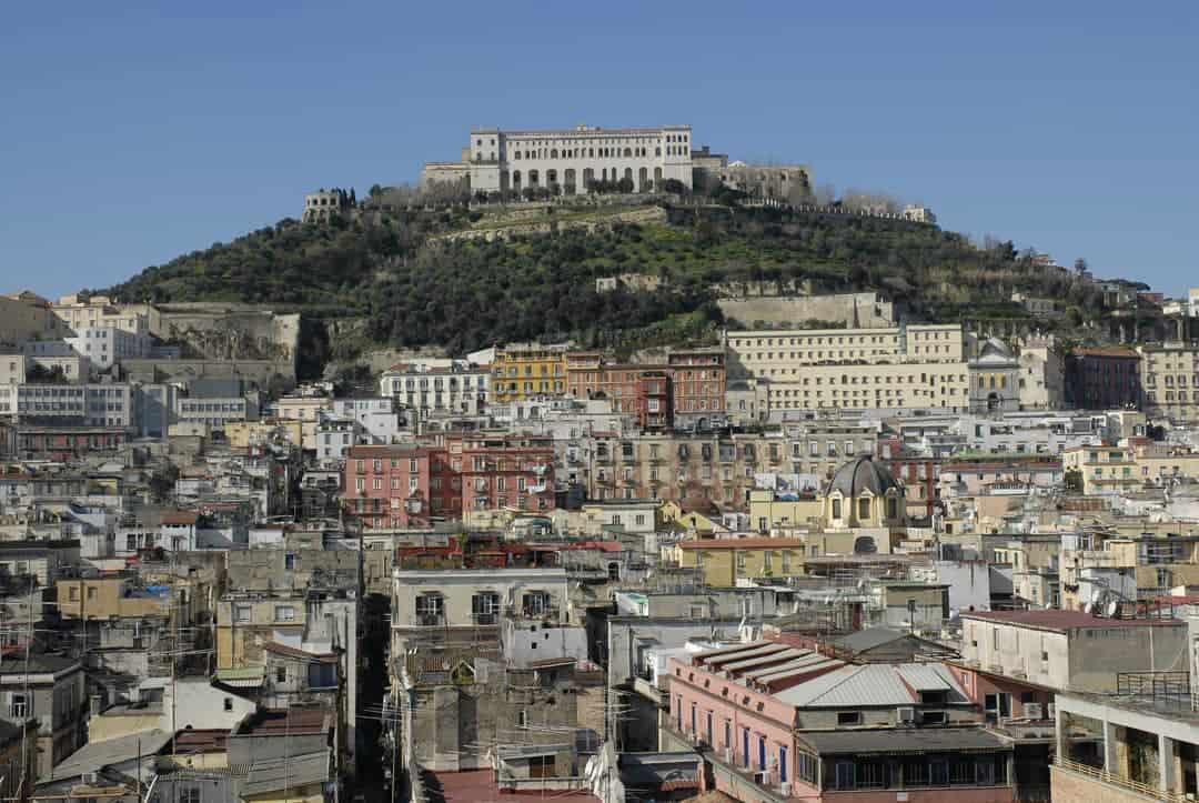 Paolo Isotta su Libero: la multa sul bus alla partoriente certifica che la mia Napoli non esiste più