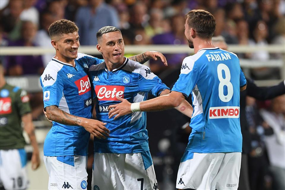 Nella prima partita senza Icardi, il Napoli realizza quattro gol