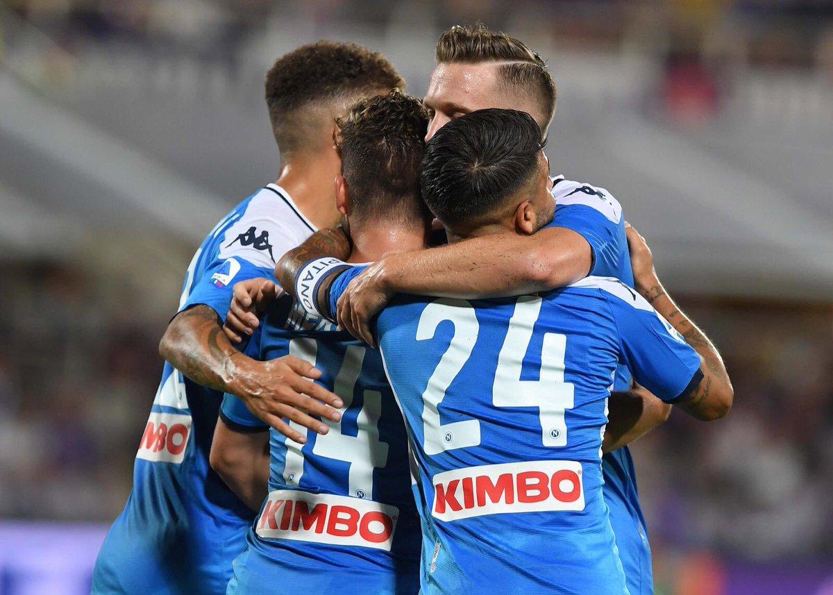 Fiorentina-Napoli 1-2 p.t.: in tre minuti Mertens (soprattutto) e Insigne salvano il Napoli dal baratro
