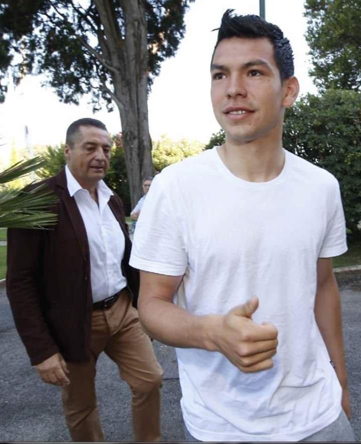 Lozano a Villa Stuart per le visite mediche prima di firmare il contratto con il Napoli
