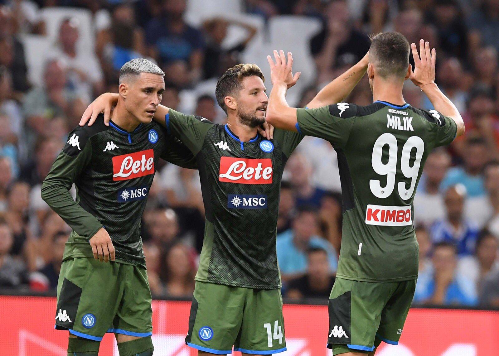 Il Napoli dovrà cambiare l'attacco e non sa ancora bene cosa mettersi