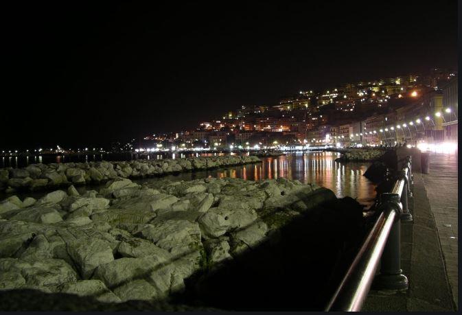 L'Italia spreca la luce. Napoli, però, è virtuosa (e anche Caserta)