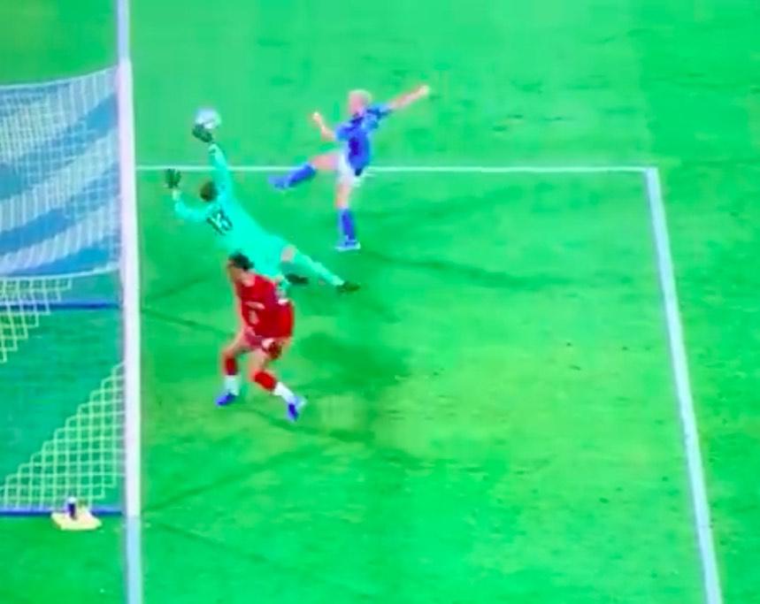 Napoli-Liverpool: lo strepitoso salvataggio di Adrian su Mertens (VIDEO