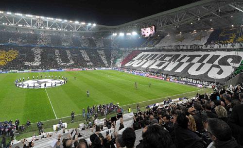 Ultras Juve disertano trasferta Champions per solidarietà ai compagni arrestati