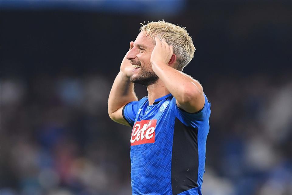 Il Giornale: per l'Inter sono troppi 25 milioni per Mertens (che ha 33 anni)
