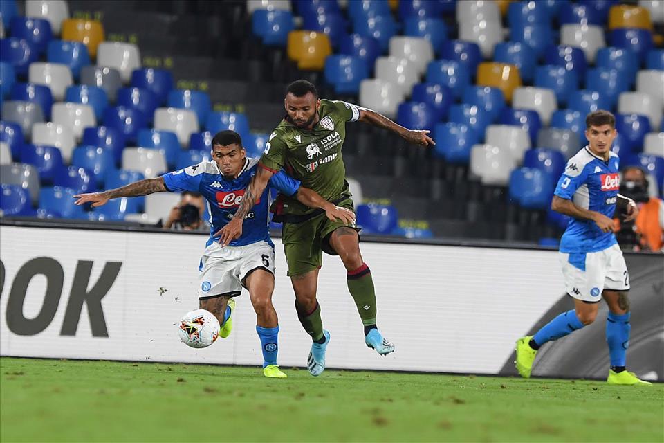 Napoli-Cagliari 0-1, pagelle / La storia del calcio è piena di partite finite così
