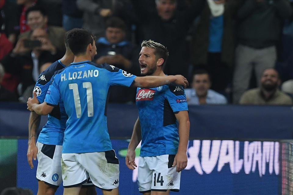 CorSport: Napoli-Genoa, giocano Lozano e Mertens. In porta Ospina