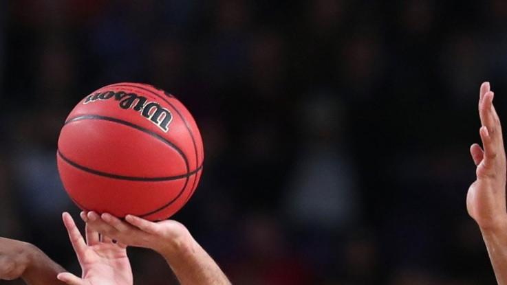 """Basket, a Rieti si canta """"Vesuvio lavali col fuoco"""". Squalificato il palazzetto"""
