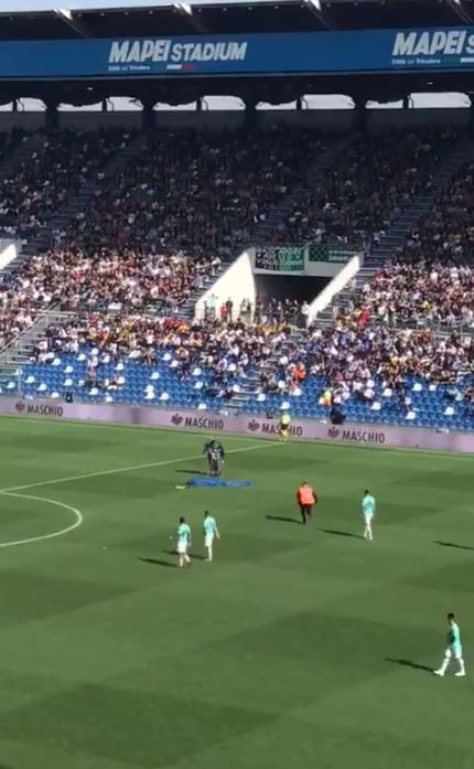 Daspo al paracadutista atterrato al Mapei Stadium durante Sassuolo-Inter