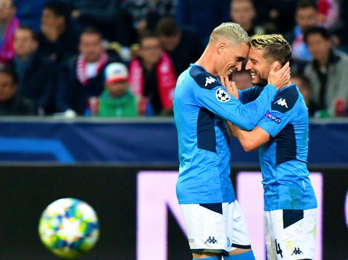 Il Napoli solo in vetta alla classifica del girone di Champions