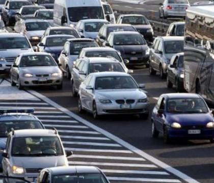 Mentre gli automobilisti sono bloccati nel traffico |  Comune e Tangenziale litigano