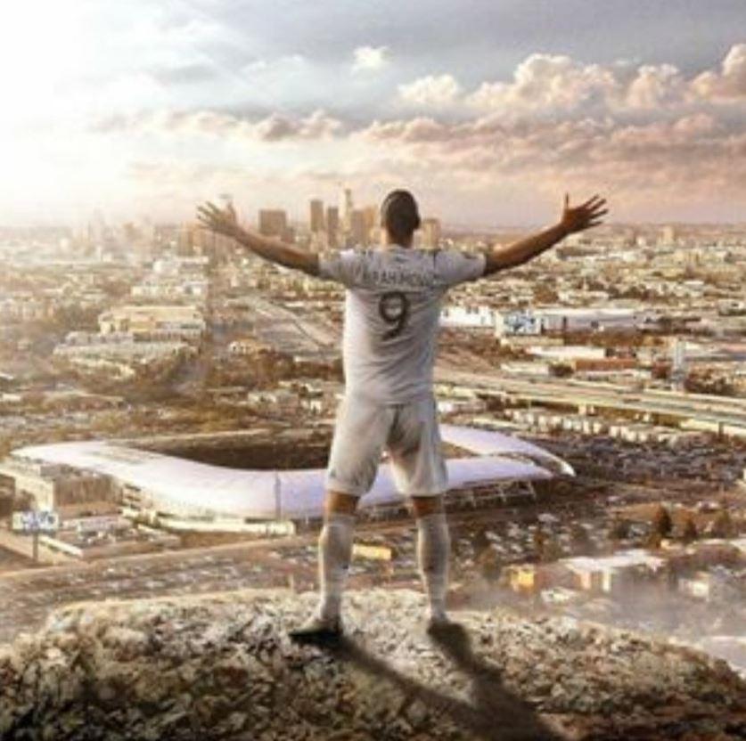 Il Messaggero: Ibrahimovic si offre al Napoli. Vuole 3-4 milioni per sei mesi
