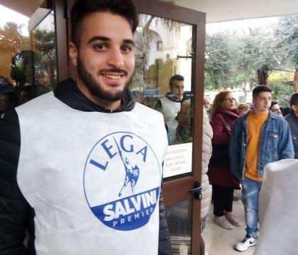 """Salvini a Sorrento sulle note di Caruso. I suoi: """"È lui la n"""
