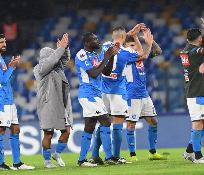 Per France Football il Napoli è sull'orlo del disastro