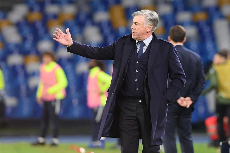Gazzetta: È evidente che esonerare Ancelotti come caprio espiatorio non era il rimedio