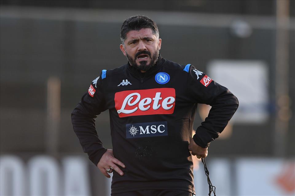 Sky: «De Laurentiis assiste ancora all'allenamento di Gattuso che prova il 4-3-3»