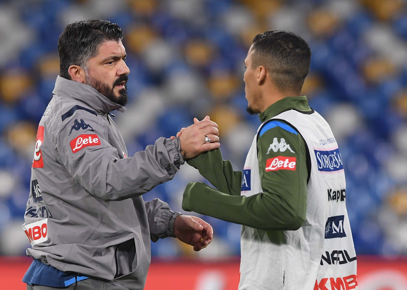 Napoli-Parma 0-1 al 45esimo. Inizio horror, poi meglio. Palo di Gervinho