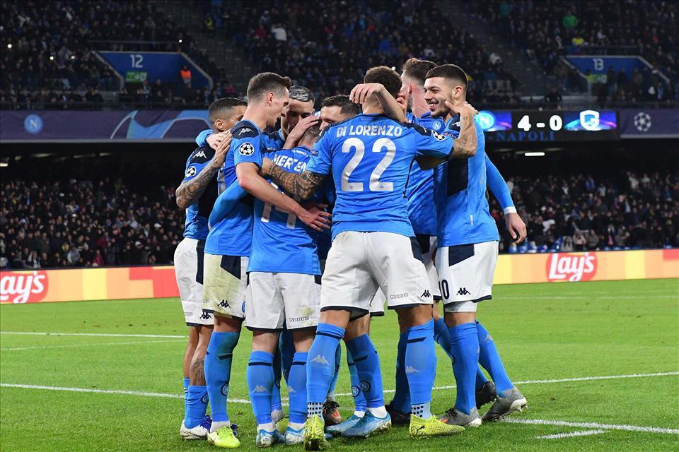 Napoli-Genk 4-0, pagelle / Addio Re Carlo, Napoli non ti ha meritato