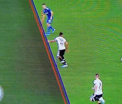 Il Times: la Fifa cancellerà il fuorigioco per millimetri, f