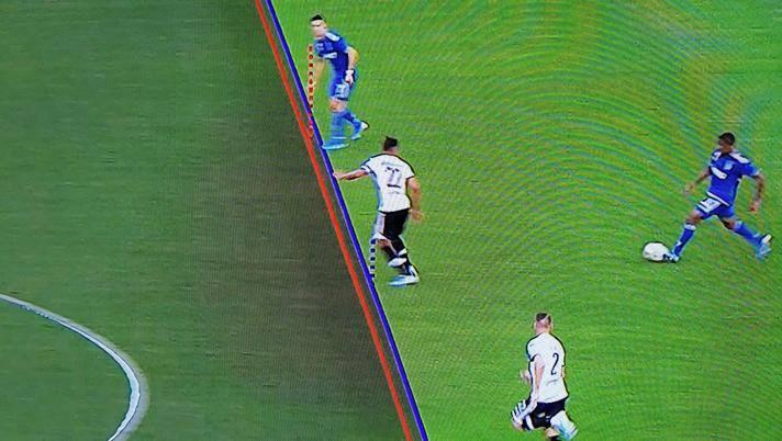 Il Times: la Fifa cancellerà il fuorigioco per millimetri, forse già ad Euro 2020