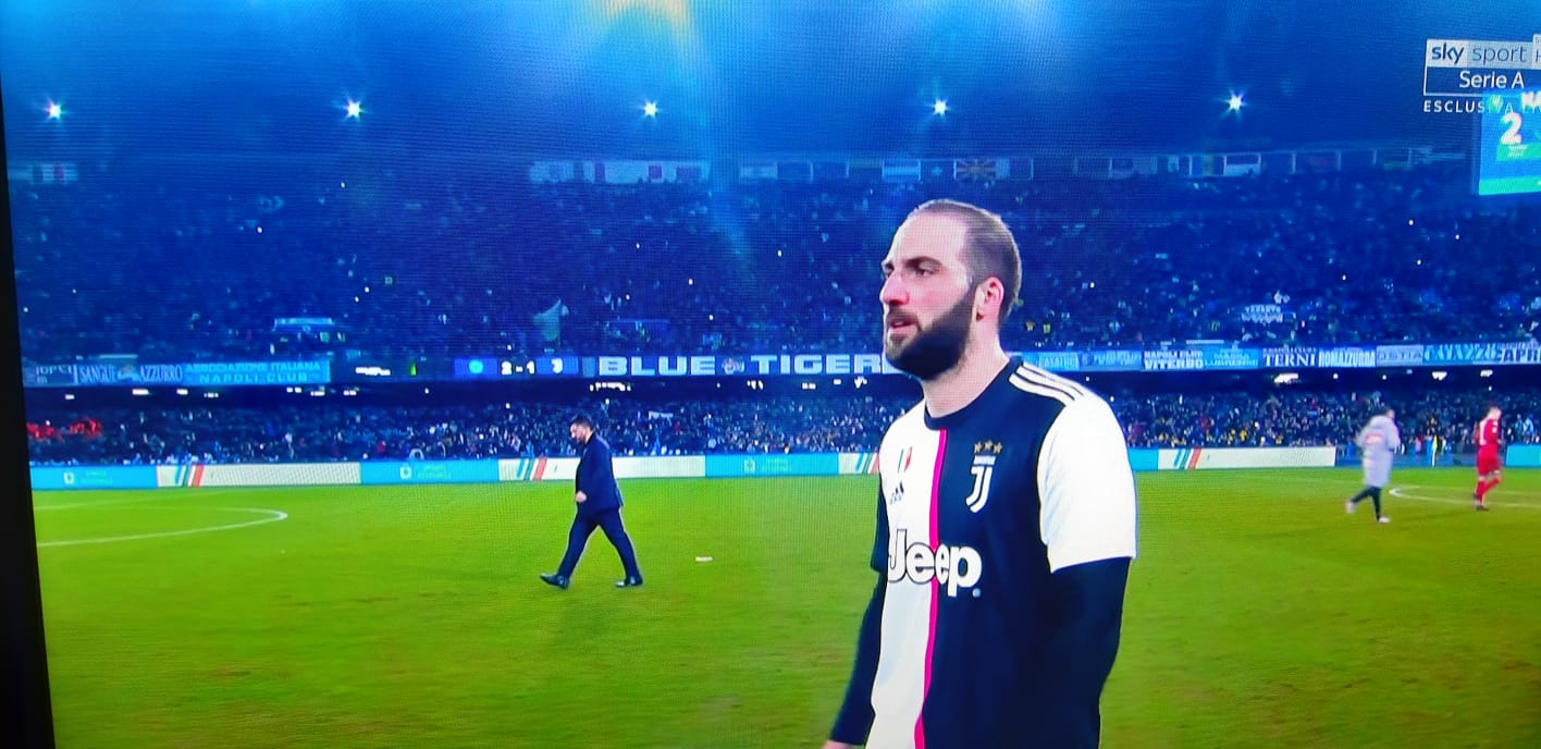 La Stampa: Higuain è orientato ad accettare la rescissione con la Juventus