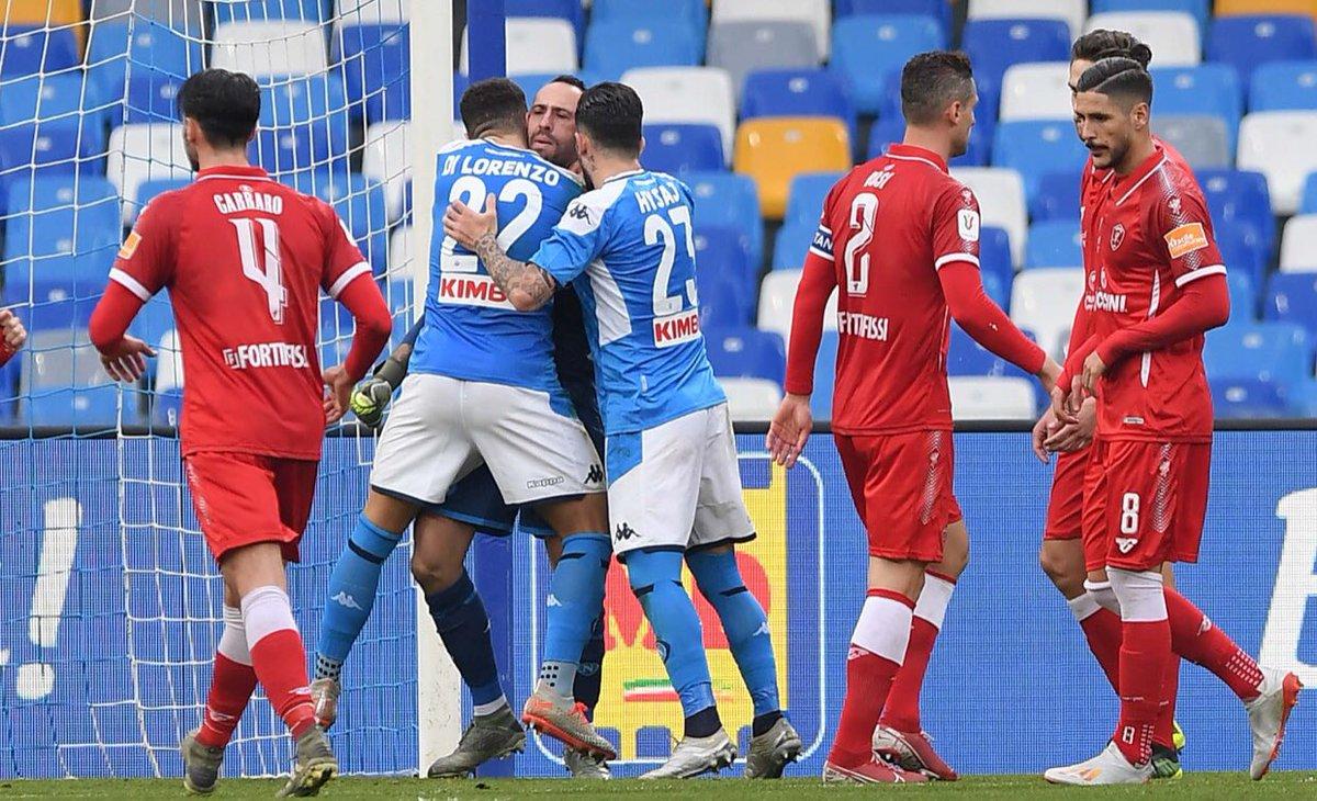 Insigne calcia i rigori alla Jorginho, Ospina si riscatta e il Napoli batte il Perugia 2-0