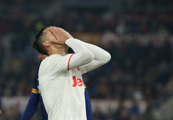 Il Ronaldo furioso: se l'è presa con i compagni, ha sferrato pugni al muro nello spogliatoio