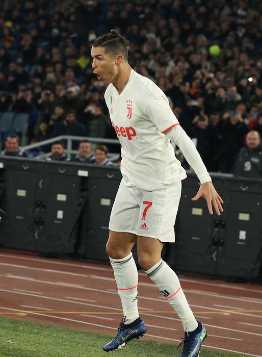Il Daily Mail: la Uefa ha cambiato modulo al suo best 11 pur di includere Ronaldo (poco votato)