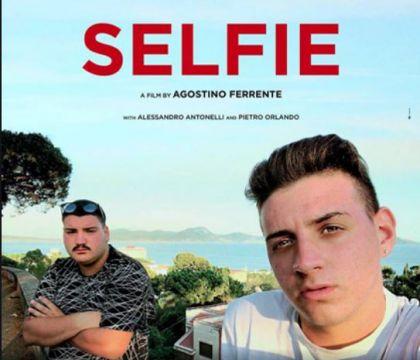 Domani |  all'Astra |  Selfie |  il film girato a Rione Traiano e dedicato alla memoria di