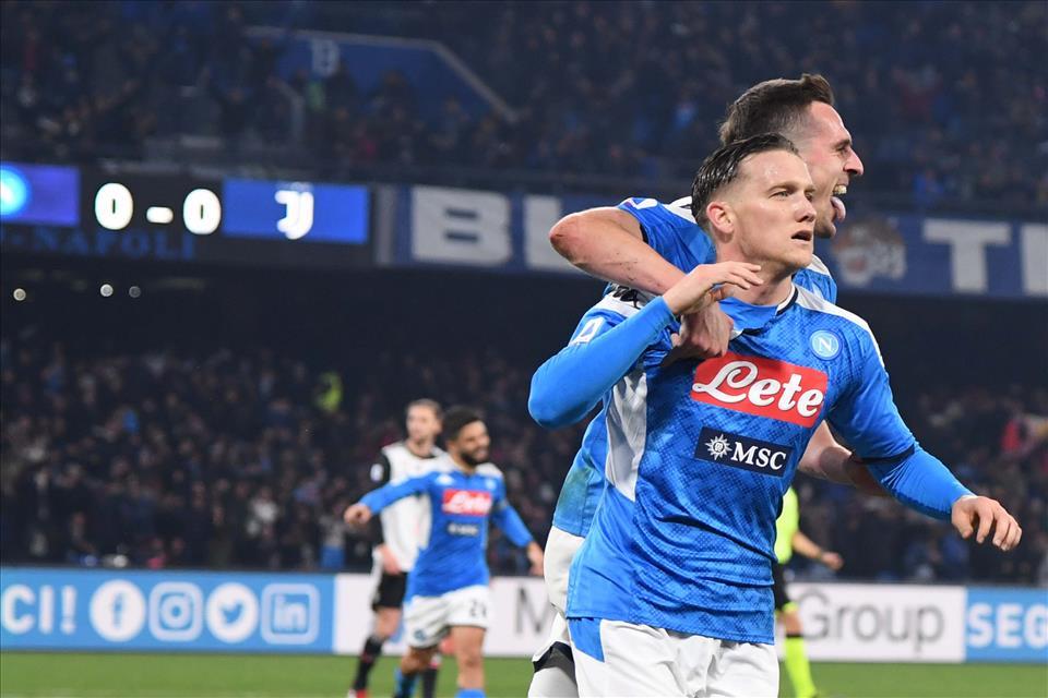 Sky: il Liverpool era in agguato su Zielinski, il Napoli lo ha anticipato