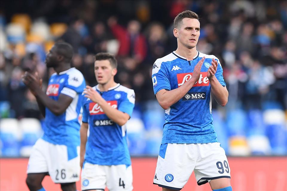 La Stampa: il Napoli non molla la presa su Milik, la Juve si sposta su Lacazette