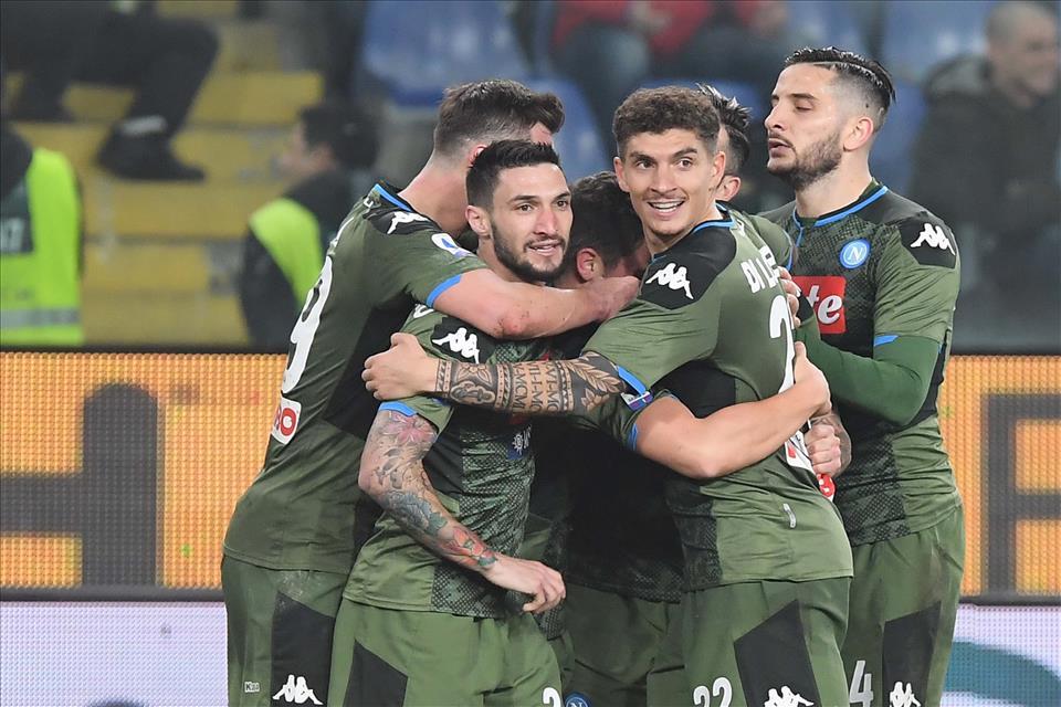 """Chi ha disegnato la maglia verde del Napoli, merita il premio """"imitation de Picasso"""""""