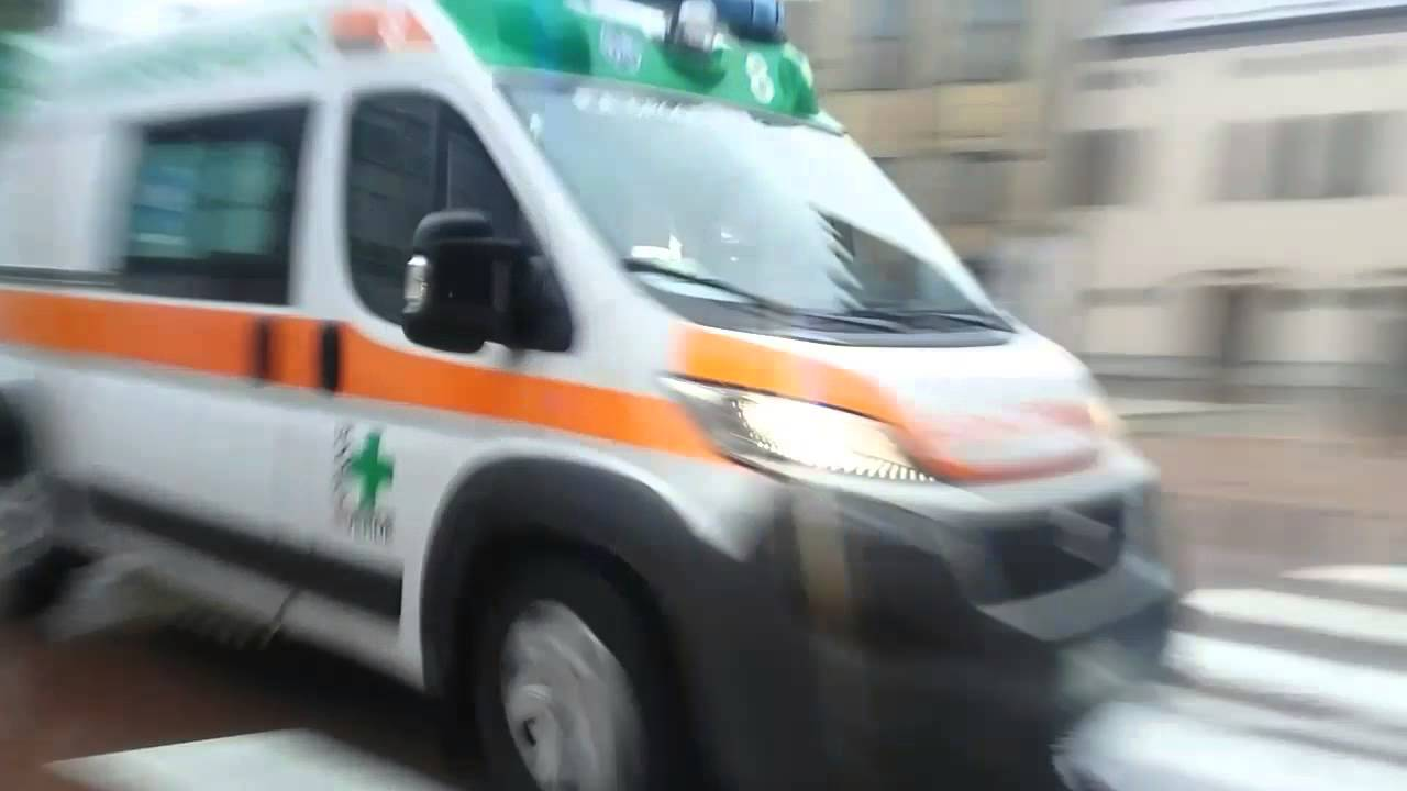 Cormezz: sospetto covid torna a casa dopo 12 ore in ambulanza perché non c'erano posti letto
