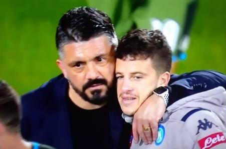 Il Napoli è fuori dalla Champions. Ma Mertens fa la pizza, Demme si chiama Diego, e il popolo è contento