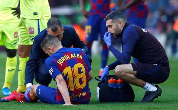 Terzo infortunio muscolare per Jordi Alba che salterà Napoli-Barcellona