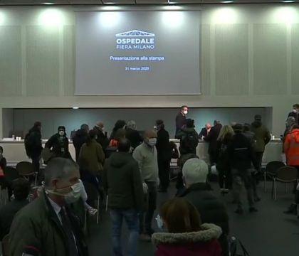 Fontana inaugura il nuovo ospedale Covid con una conferenza