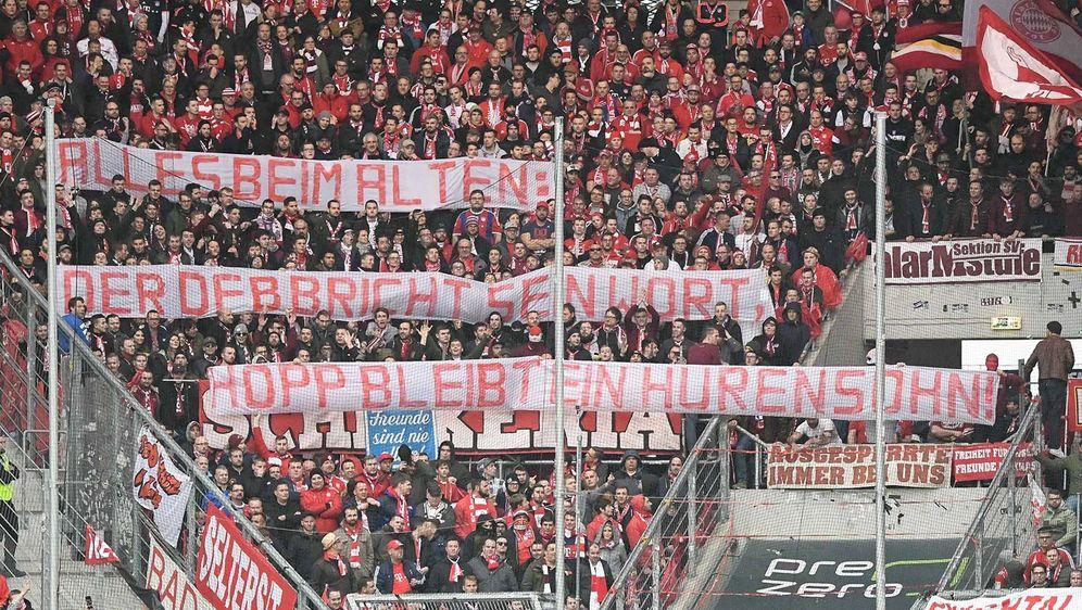 La Bundesliga si arrende: i tifosi possono insultare, fa parte dello spettacolo