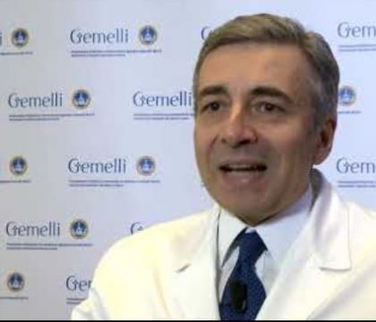 Richeldi: «Solo il 2,5% degli italiani ha anticorpi da virus. Lontani anni luce dall'immunità di gregge»