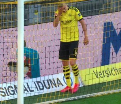 Si è infortunato anche Haaland, esce zoppicando in Dortmund