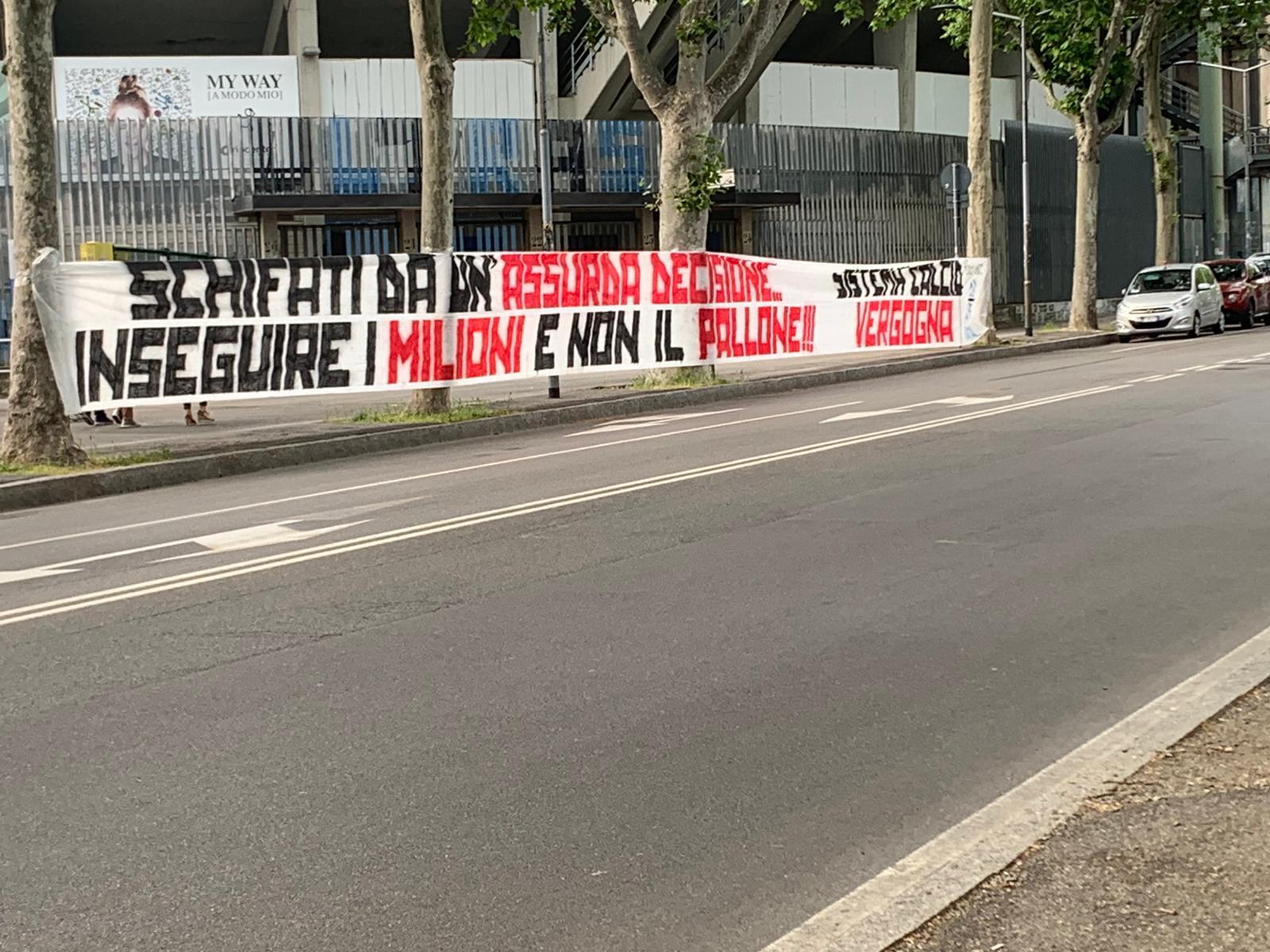 """I tifosi dell'Atalanta contro la ripresa: """"Schifati da un'assurda decisione"""""""
