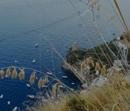"""Loving trekking""  Guida sentimentale ai sentieri dei Monti Lattari"