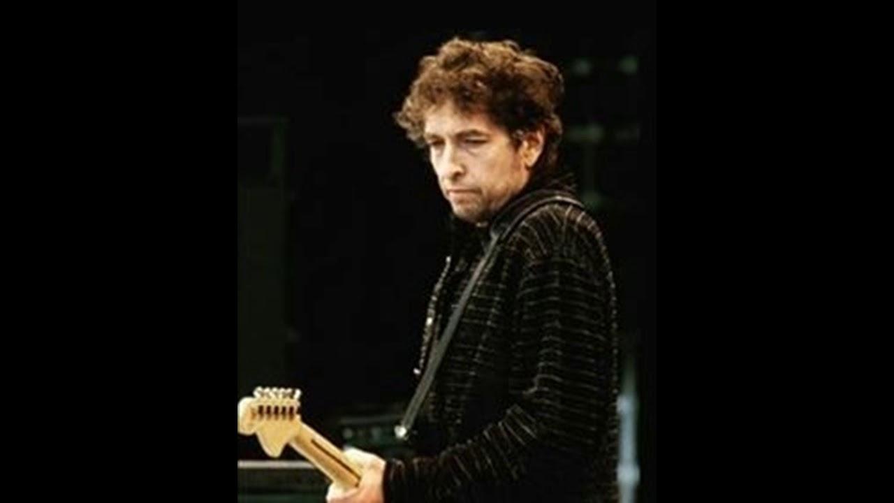 Bob Dylan: «Abbiamo la tendenza a vivere nel passato. Il nostro mondo è già obsoleto»