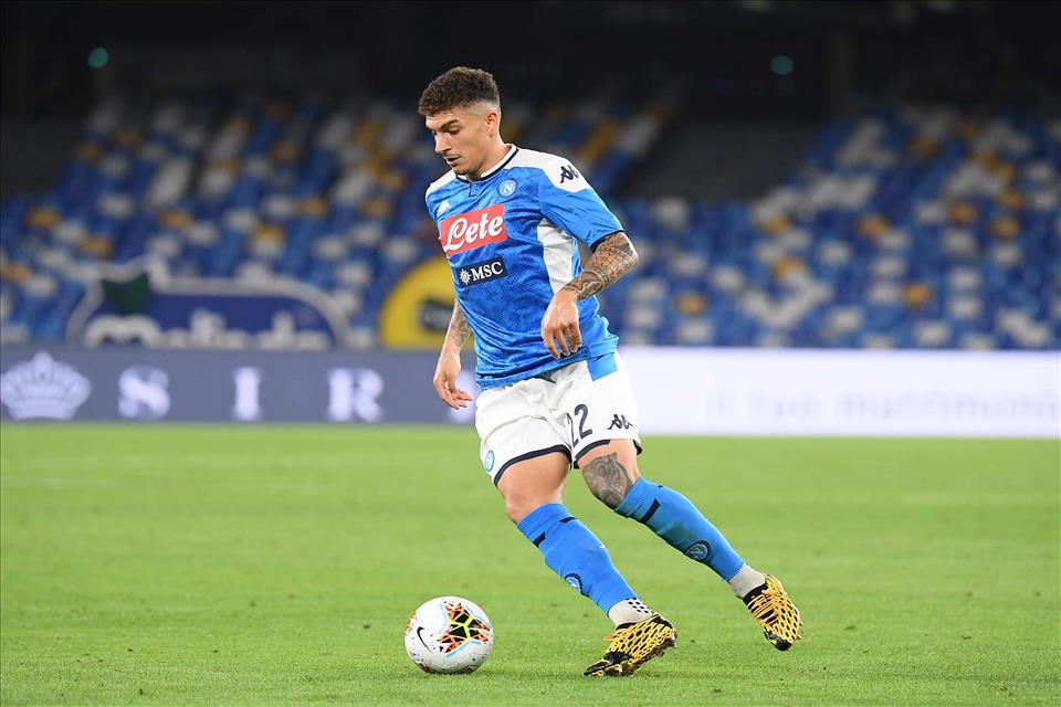 Di Lorenzo risponde al collega Hernandez: 1-1 all'intervallo tra Napoli e Milan