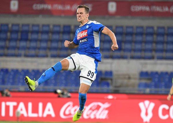 Milik va alla Roma in prestito per 25 milioni ma prima rinnova col Napoli (se risolvono le pendenze)