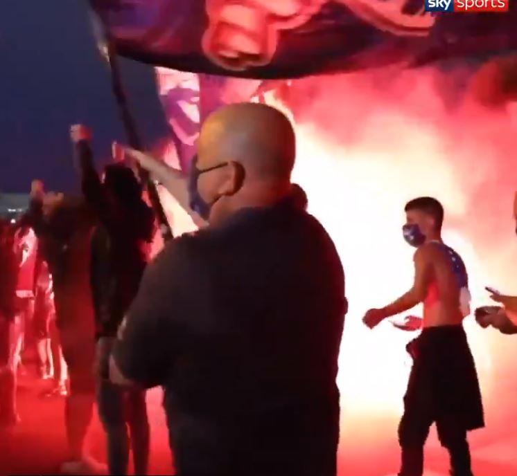 Trecento tifosi del Porto seguono la squadra in trasferta (e preoccupano la Premier League)