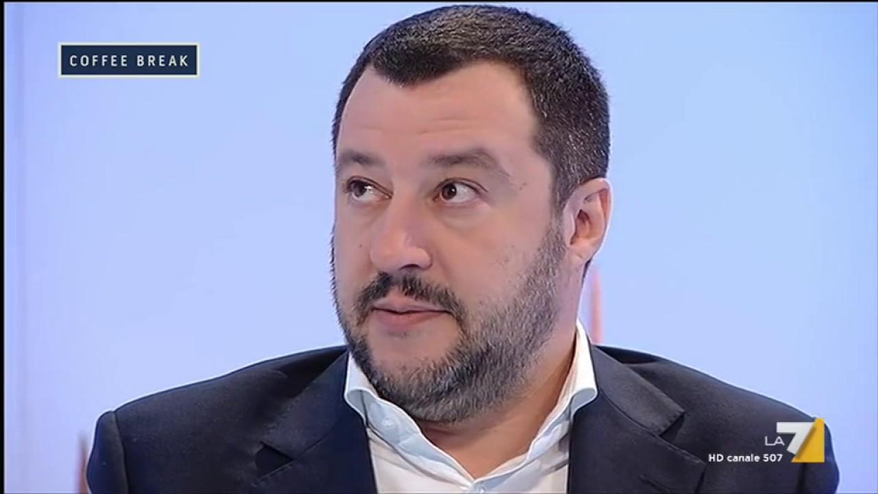 Repubblica: Tensione a Mondragone, Salvini costretto a sospendere il comizio