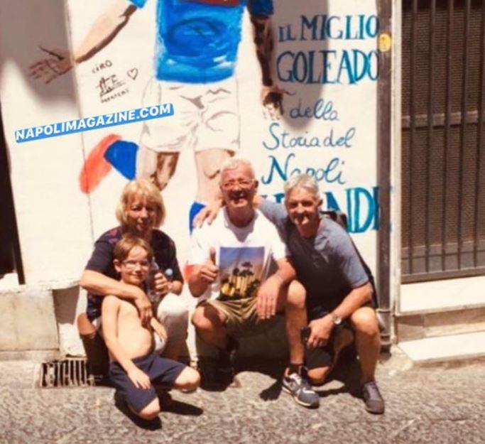 Napoli, i genitori di Mertens visitano il murale ai Quartieri Spagnoli